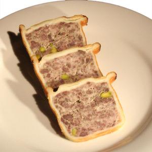 無添加 アンクルート(黒毛和牛と豚肉のパテのパイ包み)